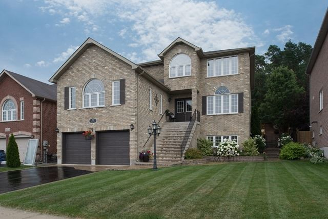 Detached at 29 Willow Fern Dr, Barrie, Ontario. Image 1