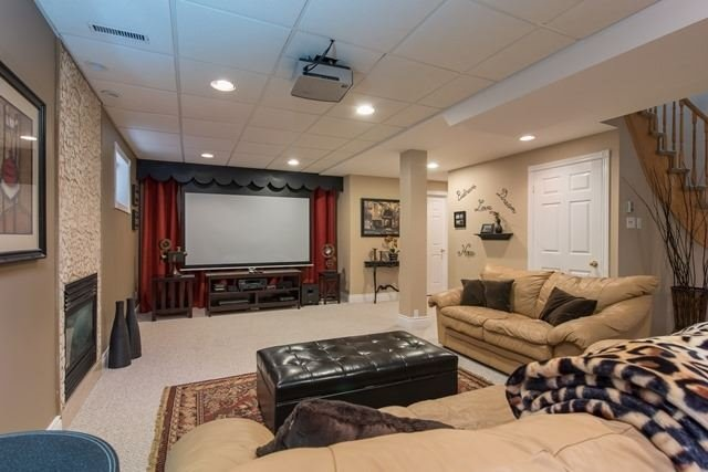 Detached at 29 Willow Fern Dr, Barrie, Ontario. Image 7