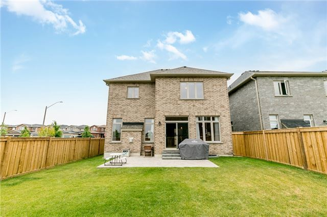 Detached at 50 Catherine Dr, Barrie, Ontario. Image 13