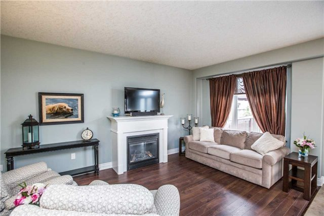 Detached at 20 Auburn Crt, Barrie, Ontario. Image 15