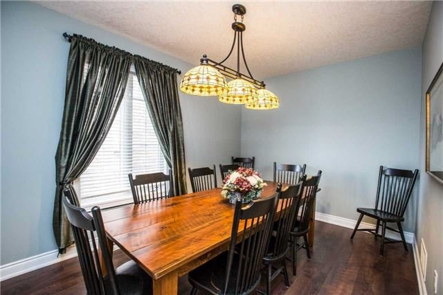 Detached at 20 Auburn Crt, Barrie, Ontario. Image 16