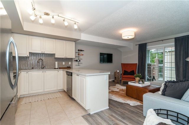 Condo Apartment at 43 Coulter St, Unit 26, Barrie, Ontario. Image 14