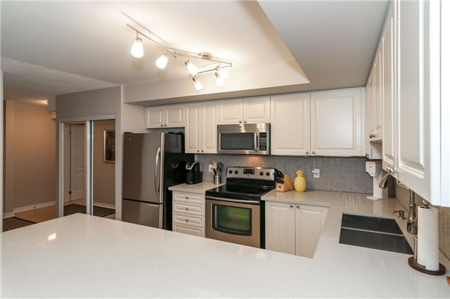 Condo Apartment at 43 Coulter St, Unit 26, Barrie, Ontario. Image 17