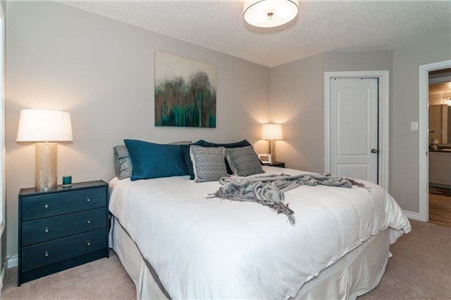 Condo Apartment at 43 Coulter St, Unit 26, Barrie, Ontario. Image 2