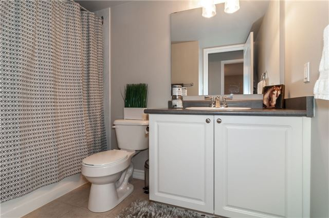 Condo Apartment at 43 Coulter St, Unit 26, Barrie, Ontario. Image 6