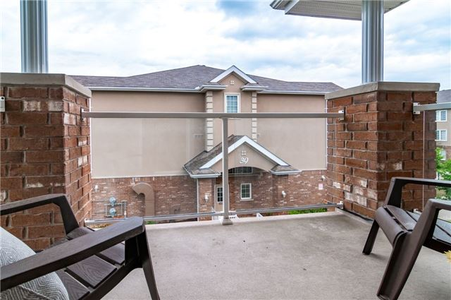 Condo Apartment at 43 Coulter St, Unit 26, Barrie, Ontario. Image 7