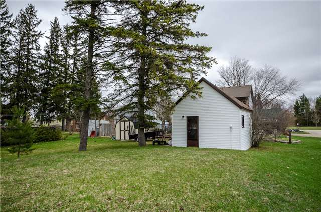 Detached at 4 Platt Ave, Springwater, Ontario. Image 4