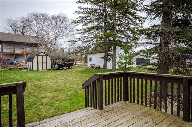 Detached at 4 Platt Ave, Springwater, Ontario. Image 6