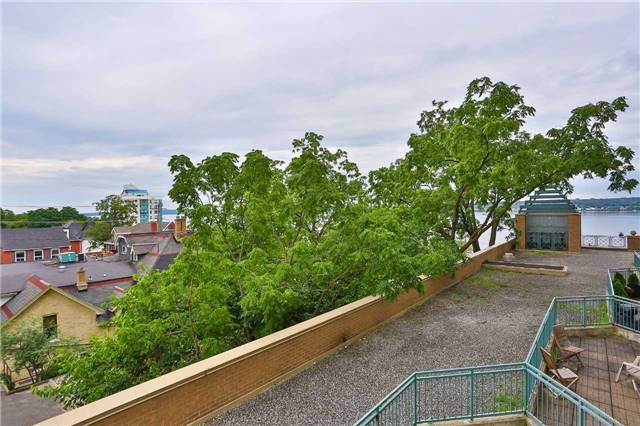 Condo Apartment at 150 Dunlop St E, Unit 411, Barrie, Ontario. Image 13