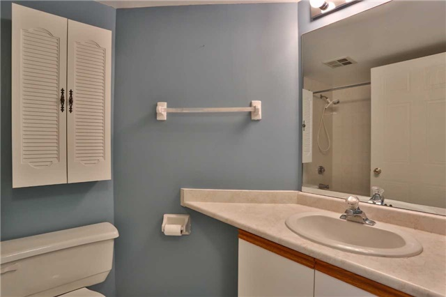 Condo Apartment at 150 Dunlop St E, Unit 411, Barrie, Ontario. Image 15