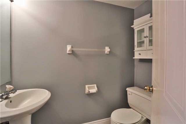 Condo Apartment at 150 Dunlop St E, Unit 411, Barrie, Ontario. Image 2