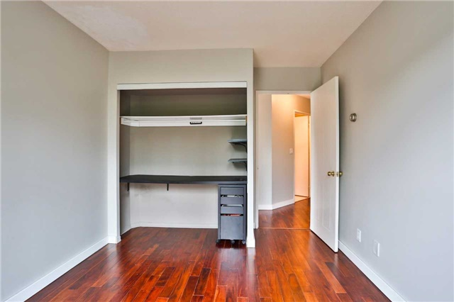 Condo Apartment at 150 Dunlop St E, Unit 411, Barrie, Ontario. Image 4