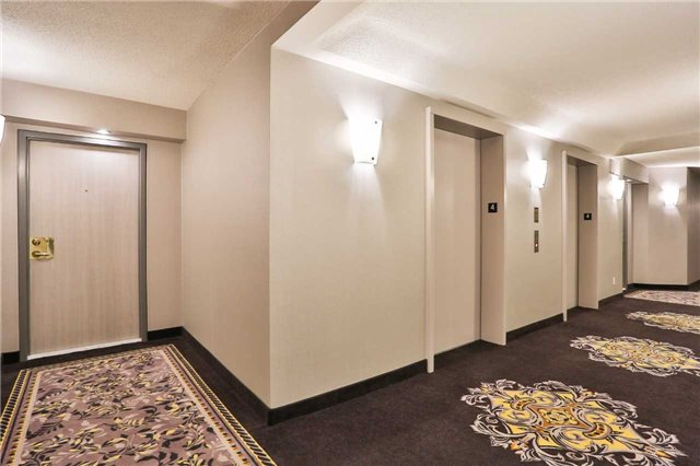 Condo Apartment at 150 Dunlop St E, Unit 411, Barrie, Ontario. Image 5