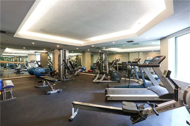 Condo Apartment at 150 Dunlop St E, Unit 411, Barrie, Ontario. Image 6
