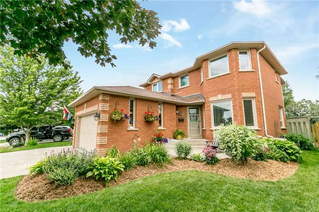 Detached at 5 Morton Cres, Barrie, Ontario. Image 1