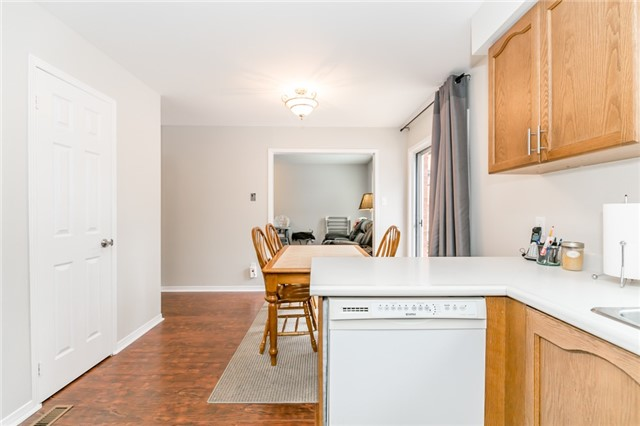 Detached at 5 Morton Cres, Barrie, Ontario. Image 17