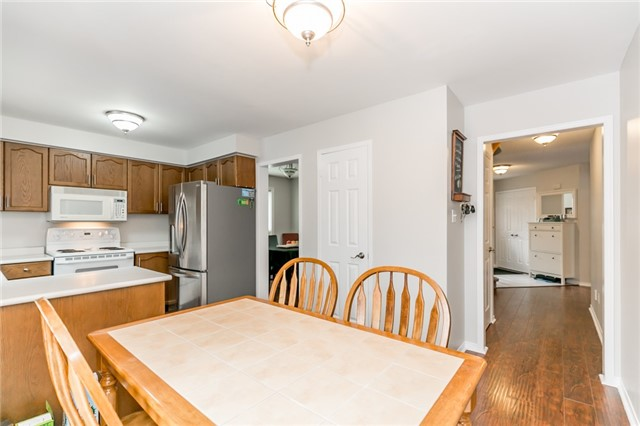 Detached at 5 Morton Cres, Barrie, Ontario. Image 18