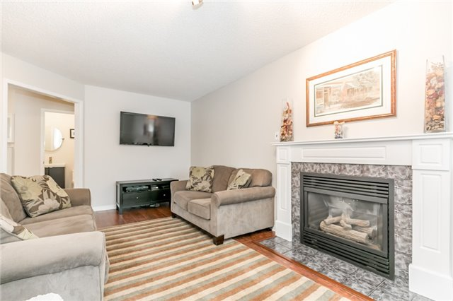 Detached at 5 Morton Cres, Barrie, Ontario. Image 19