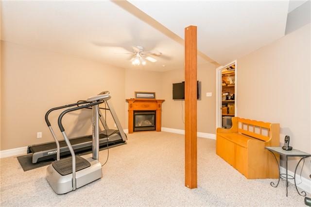 Detached at 5 Morton Cres, Barrie, Ontario. Image 8