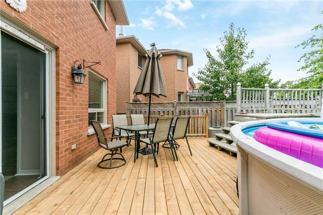 Detached at 5 Morton Cres, Barrie, Ontario. Image 9