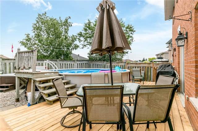 Detached at 5 Morton Cres, Barrie, Ontario. Image 10