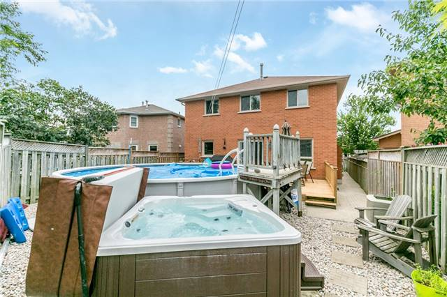 Detached at 5 Morton Cres, Barrie, Ontario. Image 11