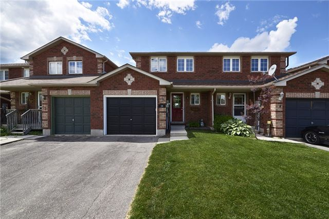 Townhouse at 10 Weymouth Rd, Barrie, Ontario. Image 1
