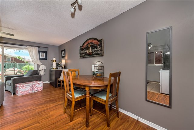 Townhouse at 10 Weymouth Rd, Barrie, Ontario. Image 12
