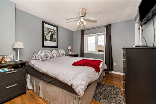 Townhouse at 10 Weymouth Rd, Barrie, Ontario. Image 15