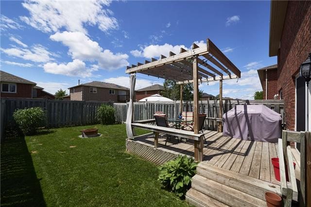Townhouse at 10 Weymouth Rd, Barrie, Ontario. Image 7