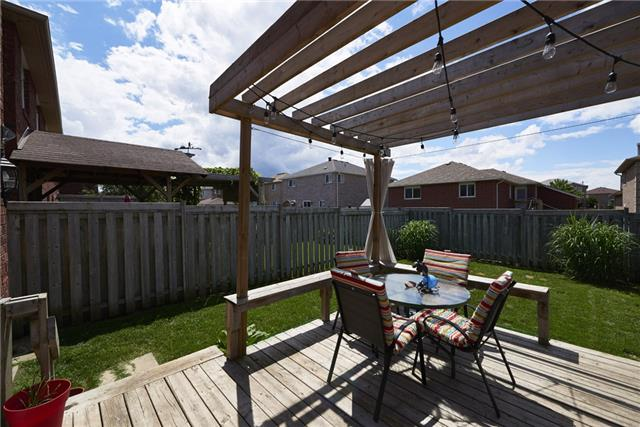 Townhouse at 10 Weymouth Rd, Barrie, Ontario. Image 8