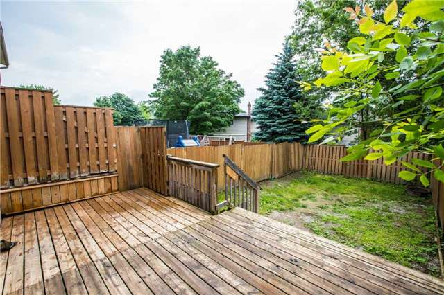 Townhouse at 7 Burns Circ, Barrie, Ontario. Image 10