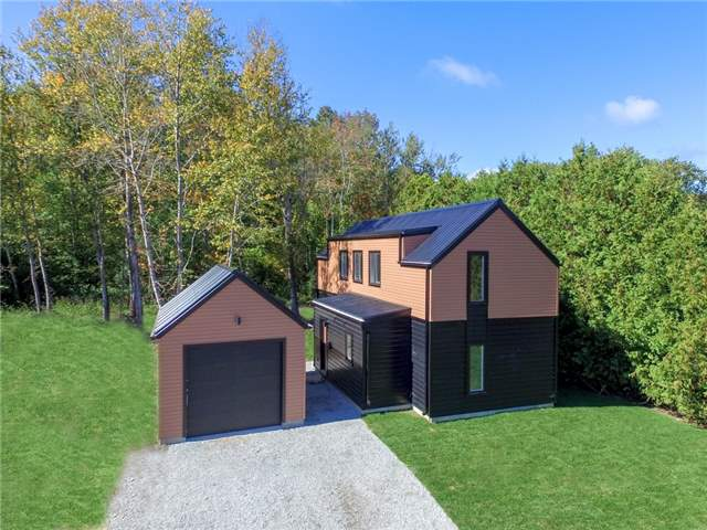 Detached at 483 Bay St, Orillia, Ontario. Image 1