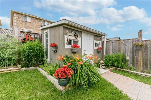 Detached at 77 Shalom Way, Barrie, Ontario. Image 15