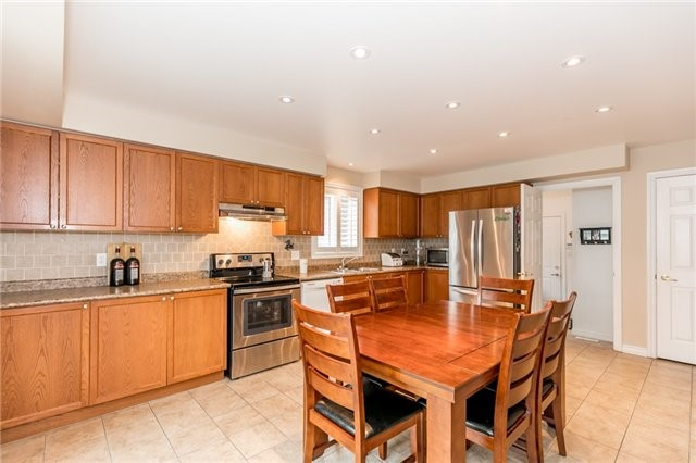 Detached at 77 Shalom Way, Barrie, Ontario. Image 16