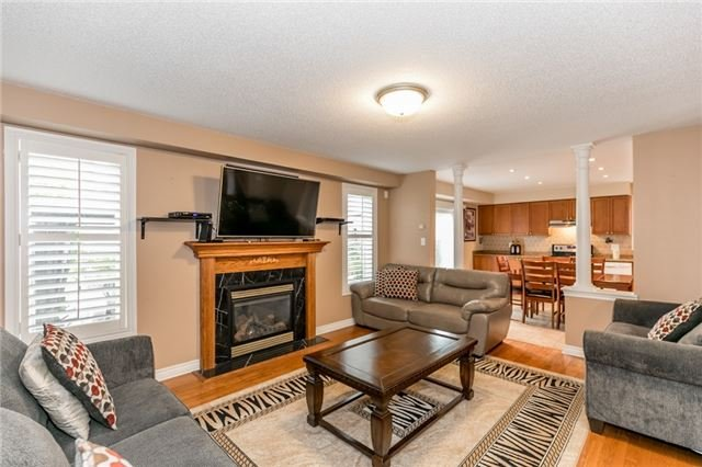 Detached at 77 Shalom Way, Barrie, Ontario. Image 20