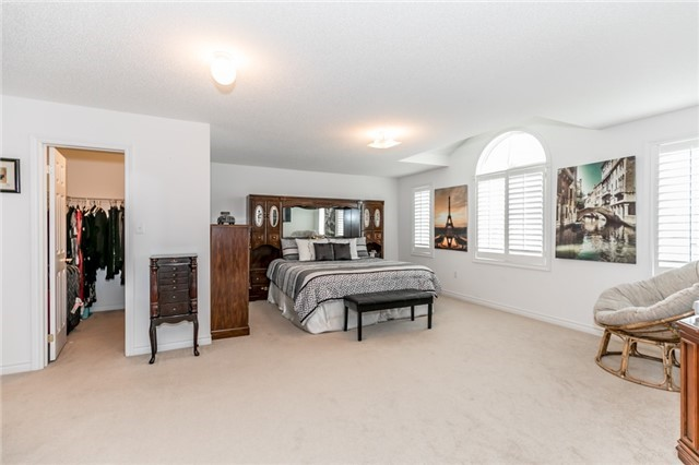 Detached at 77 Shalom Way, Barrie, Ontario. Image 2