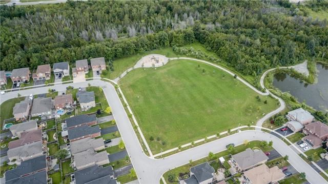 Detached at 77 Shalom Way, Barrie, Ontario. Image 9