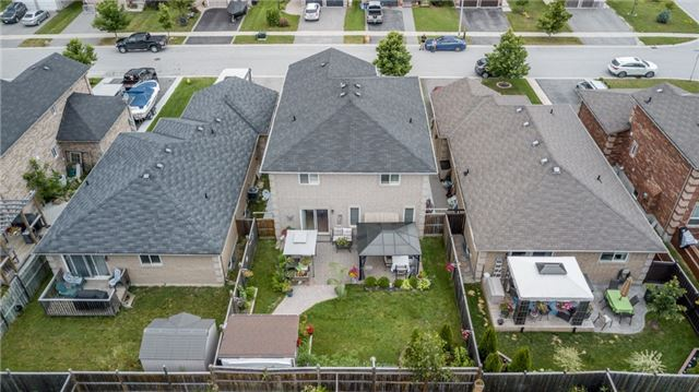 Detached at 77 Shalom Way, Barrie, Ontario. Image 10