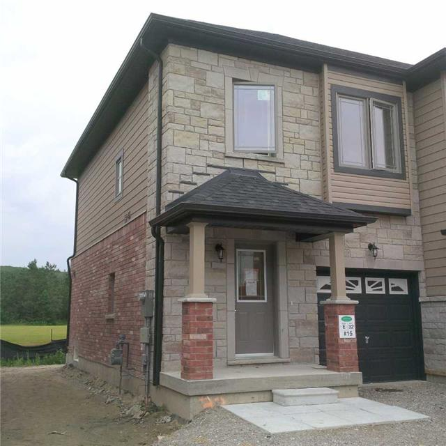 Townhouse at 15 Deneb St, Barrie, Ontario. Image 1