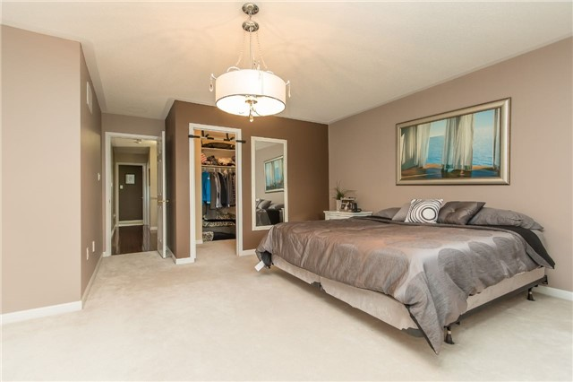 Detached at 123 Winchester Terr, Barrie, Ontario. Image 17