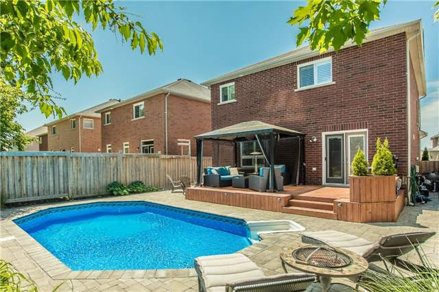 Detached at 123 Winchester Terr, Barrie, Ontario. Image 9