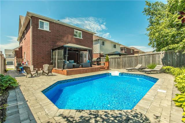 Detached at 123 Winchester Terr, Barrie, Ontario. Image 10