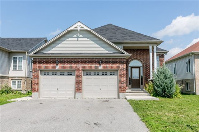 Detached at 378 Georgian Dr, Barrie, Ontario. Image 1