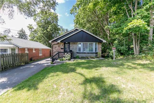 Detached at 114 Maple Ave, Barrie, Ontario. Image 1