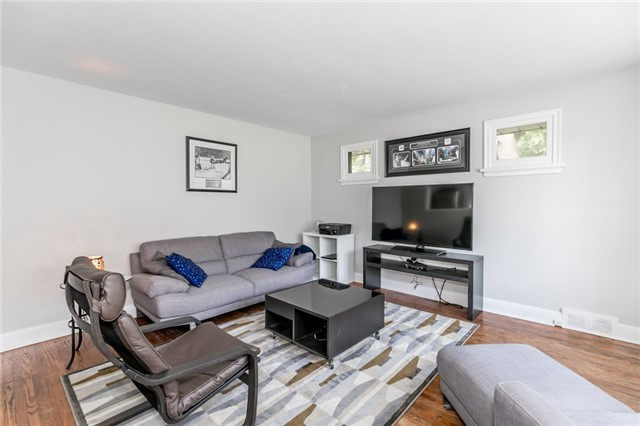 Detached at 114 Maple Ave, Barrie, Ontario. Image 14