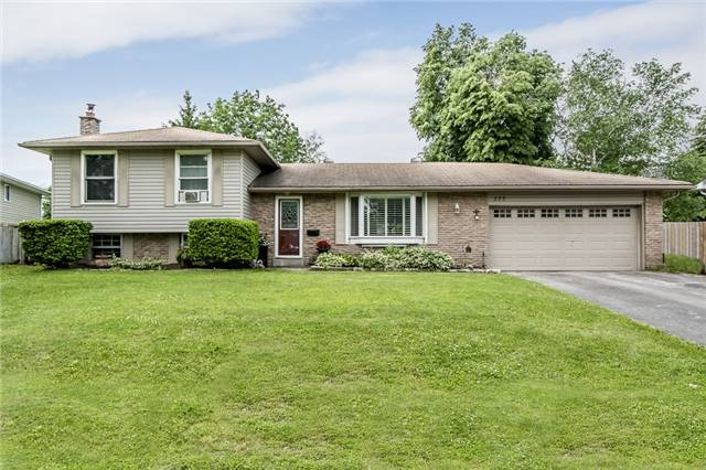 Detached at 255 Pine Dr, Barrie, Ontario. Image 1