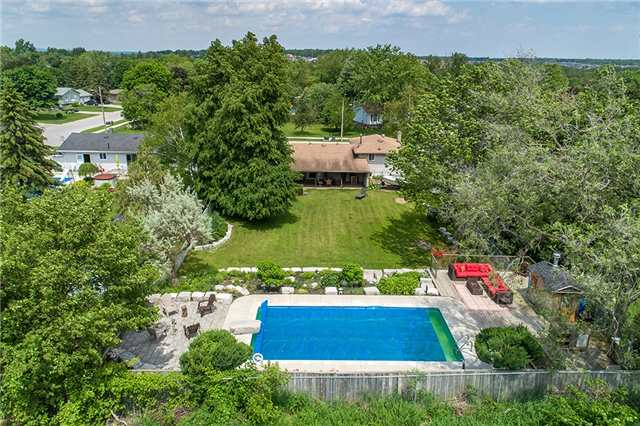 Detached at 255 Pine Dr, Barrie, Ontario. Image 6
