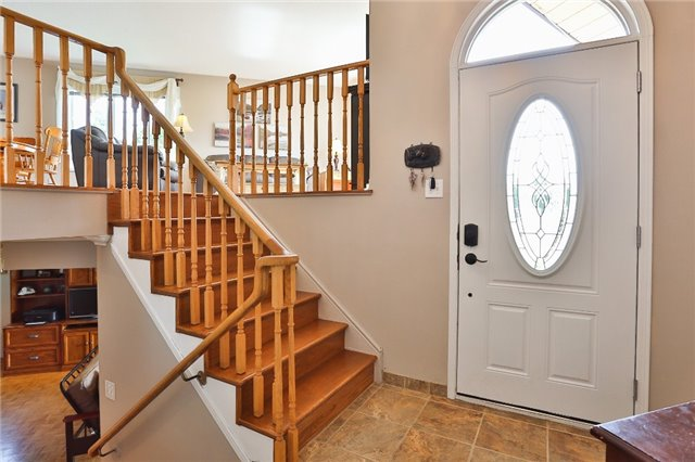 Detached at 135 Brucker Rd, Barrie, Ontario. Image 12