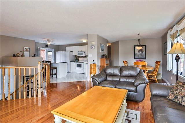 Detached at 135 Brucker Rd, Barrie, Ontario. Image 14